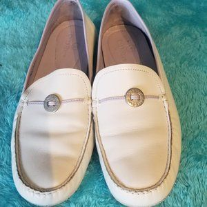 COLE HAAN white size 8 flats